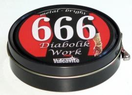 666 Reinigingspasta voor metalen oppervlakken.