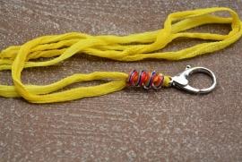 Geel zijden keycord, met glasspiraal