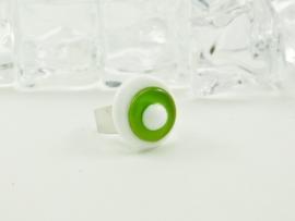 Zilverkleurige verstelbare ring met ovale ringtop wit met lime