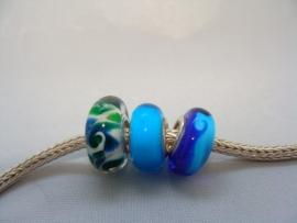 Set van 3 stuks turqoise blauwgroene grootgatkralen met zilveren kern