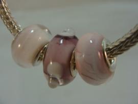 3 stuks roze transparant grootgatkralen met zilveren kern (02)