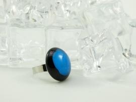 Zilverkleurige verstelbare ring met ronde ringtop zwart blauw