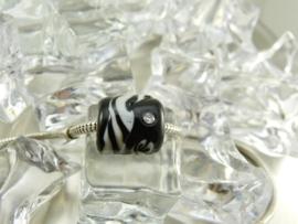 XL grootgatkraal, in zwart met wit, kpl. met zilveren kern en zirconia`s