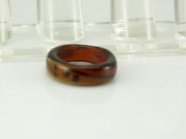 Fraaie amberkleurige ring