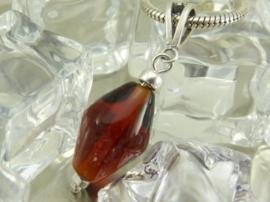 925 Zilveren hanger met amberkleurige glaskraal