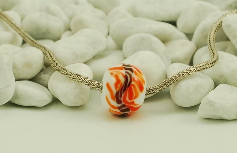 Grootgatkraal XL, wit met roodbruin en oranje tinten