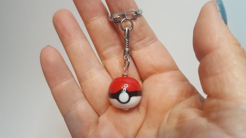 Pokemon glaskraal sleutelhanger (3)