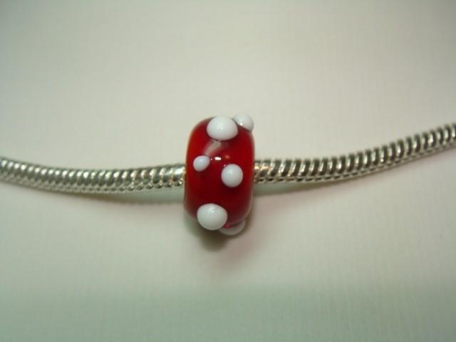 Rood met witte stippen grootgatkraal