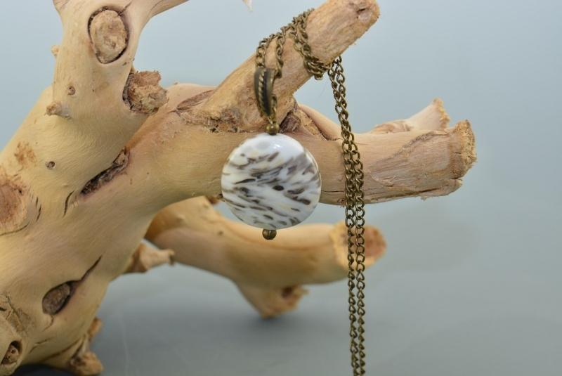 Bronskleurige ketting met ronde hanger