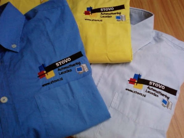 Logo op overhemd