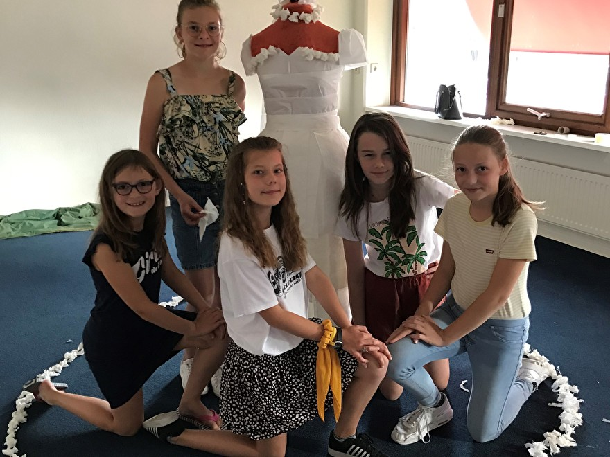 Paper Weddingdress Challenge