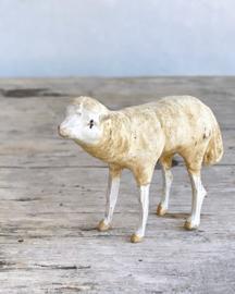 Antiek klein schaapje