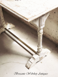 French brasserie table