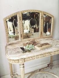 Antiek franse kaptafel/ Antique french dressing table Louis XVI