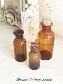 Set amberkleurige flesjes