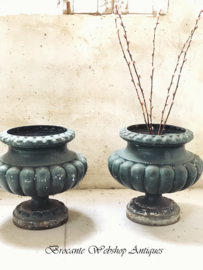 Set of 2 pieces of chateau jardinieres