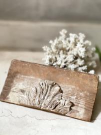 Antiek houten ornamentje