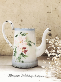 Enamel watering can