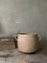 Old sud french pot