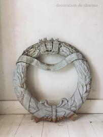 Franse antieke zinken krans