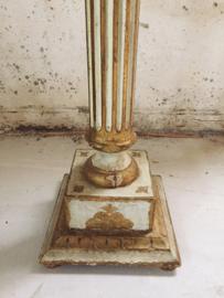 Antieke pied de stalle