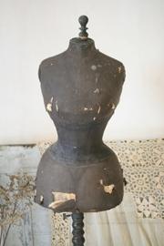 Franse shabby wespentaille mannequin