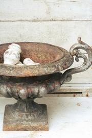 Antieke franse jardiniere