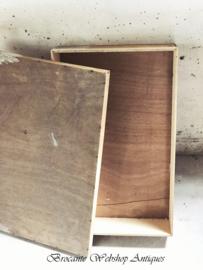 Oud franse grote spanen doos