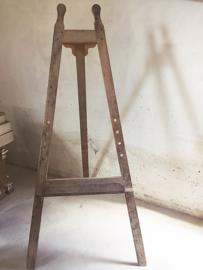 Oude schildersezel/ Old french easel
