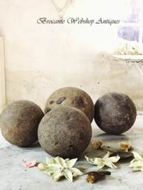 Set oud houten ballen