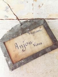 Antiek zinken wijnlabel/ Antique sinc wine label