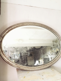 Franse ovale spiegel/ French oval mirror  d' or blanc