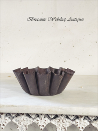 Old cake mold