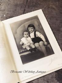 Mooie oude grote kinderfoto