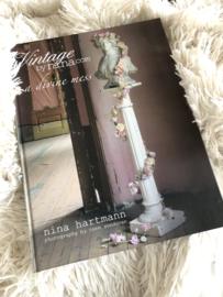 A divine mess -  Vintage by Nina.com