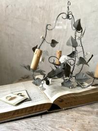 Chandeliers, lamps