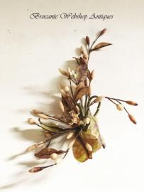 Wassen bloemen corsage