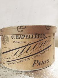 Franse hoedendoos/ french hat box  PARIS