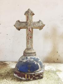 Antiek houten kruis/ Antique wooden cross