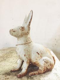 Haas van gietijzer/ cast iron hare