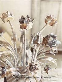 Unieke vaas met bloemen