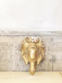 Antique bois doré corner ornament