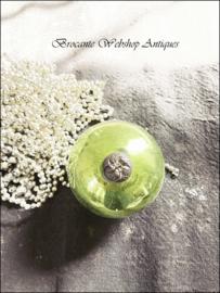 Groene antieke heksenbal
