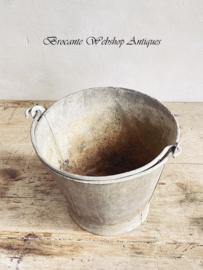 Old sinc bucket