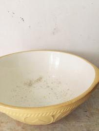 Antieke engelse beslagkom/ Antique english mixing bowl