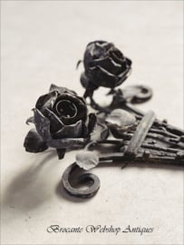 Old french rose ornament
