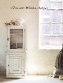 Auvergne cupboard/cabinet