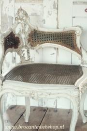 Franse antieke stoel chaise de coin  Louis  /  antique corner chair