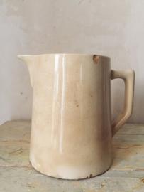 Antieke beboterde shabby kan 'Digoin'/ Antique shabby jug