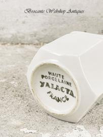 Oud zeshoeking yoghurt potje
